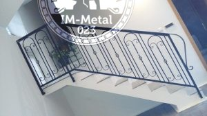 Stepenišna ograda od kovanog gvožđa